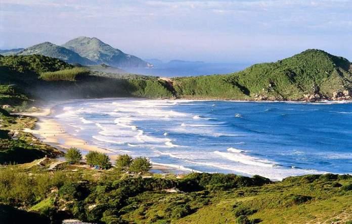Praia do Rosa é uma das melhores praias de Imbituba