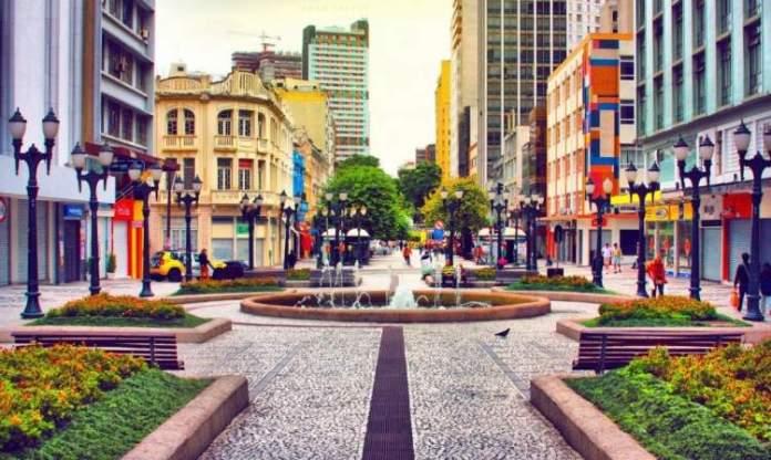 Curitiba é uma das melhores cidades para criar os filhos no Brasil