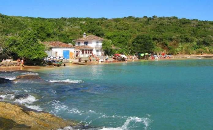 Praia da Azedinha em Búzios é uma das praias mais lindonas do Sudeste brasileiro