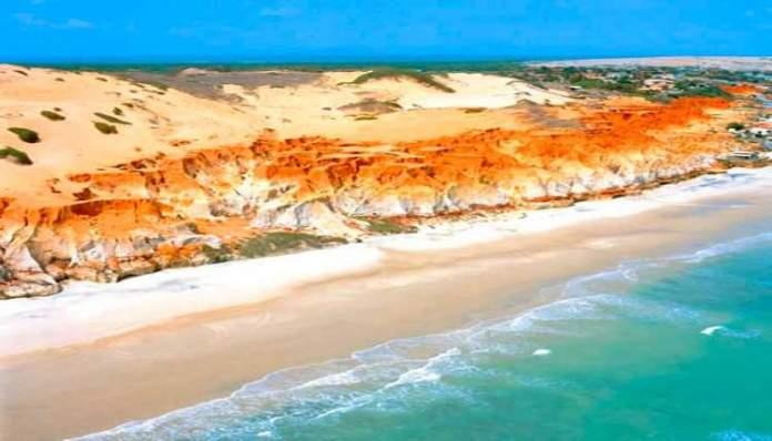 Praia das Fontes é uma das praias mais lindonas de Fortaleza