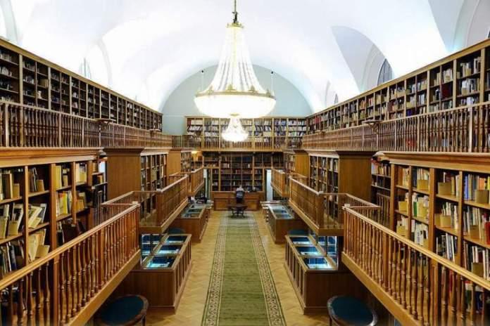 Biblioteca Nacional da Rússia é uma das atrações gratuitas em São Petersburgo