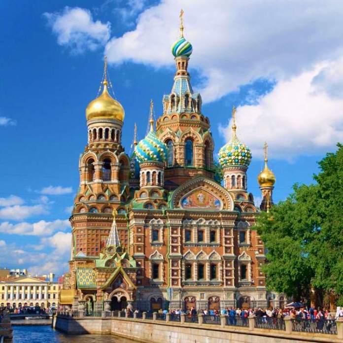 Igreja do Salvador do Sangue Derramado é uma das atrações gratuitas em São Petersburgo