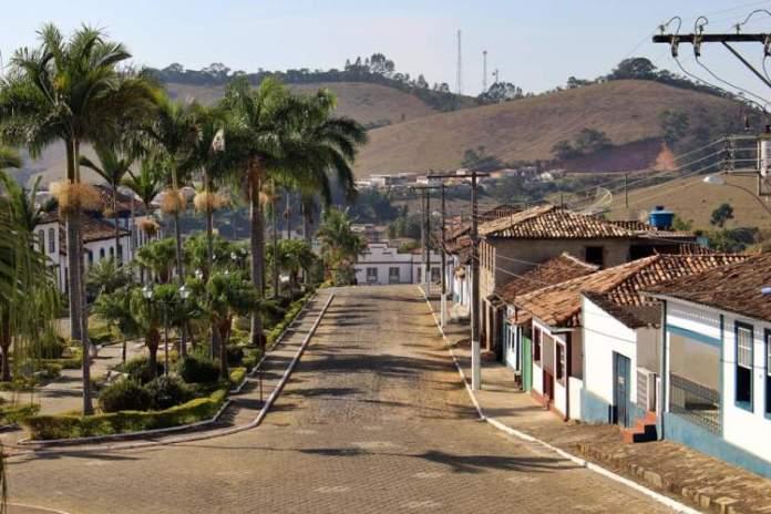 Santana dos Montes é um dos passeios românticos para fazer em Minas Gerais