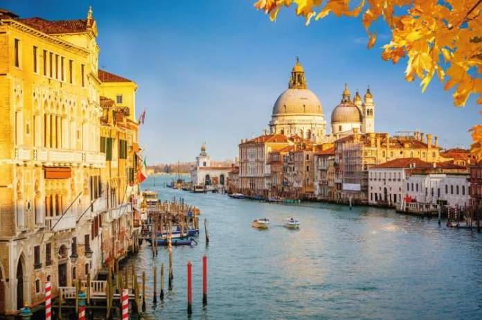 ir no outono é uma das dicas para quem vai viajar a Veneza