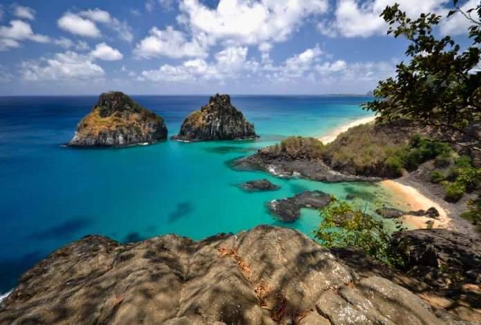 Baía dos Porcos é um dos Destinos no Brasil com Águas Cristalinas
