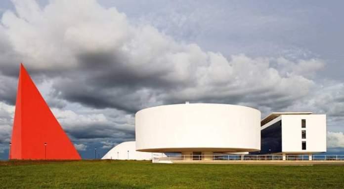 Centro Cultural Oscar Niemeyer é um dos lugares incríveis em Goiânia