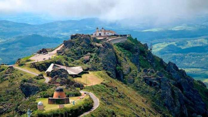 Serra da Piedade é um dos Passeios próximos a Belo Horizonte que são perfeitos para fazer no frio