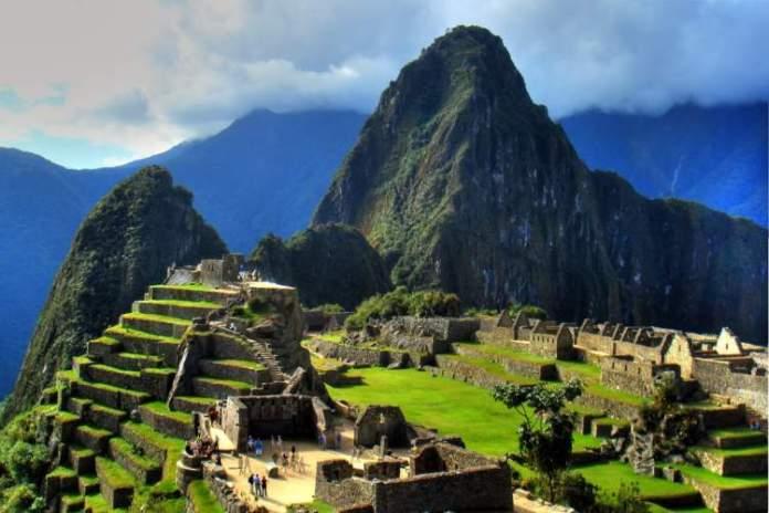 Visitar o Sítio arqueológico é uma das dicas de O que fazer em Machu Picchu