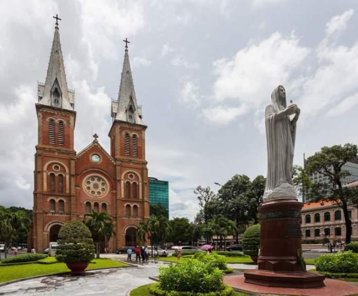Basílica de Notre Dame em Ho Chi Minh no Vietnã