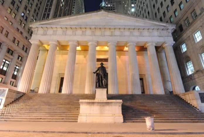 Conhecer o Federal Hall uma das coisas para fazer em Nova York
