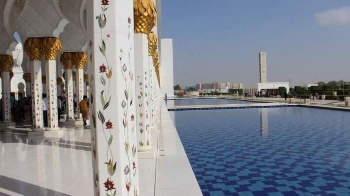 Abu Dhabi Emirados Árabes é um dos destinos baratos para viajar em julho de 2019