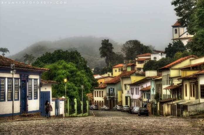 Sabará é um dos destinos baratos para você viajar por Minas Gerais