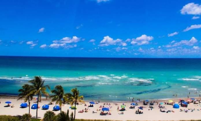 Hollywood Beach é uma das melhores praias de Miami