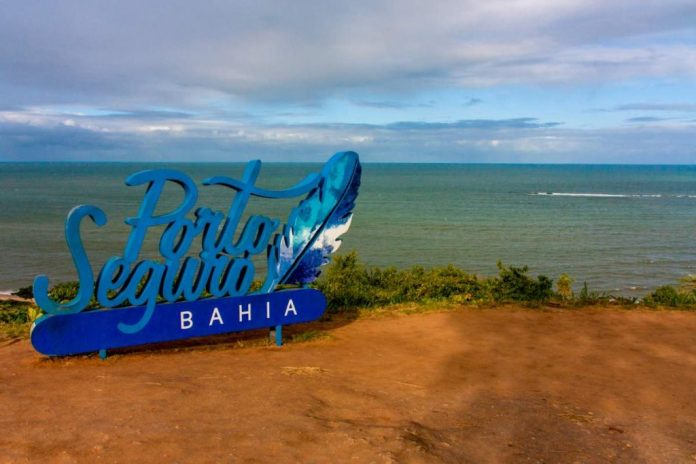 Porto Seguro é um dos destinos mais procurados no Brasil para passar férias