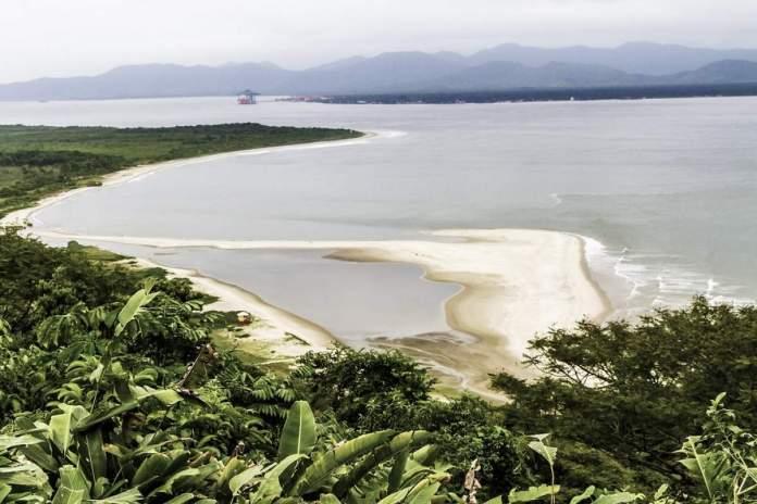 Praia do Forte em São Francisco do Sul - Santa Catarina
