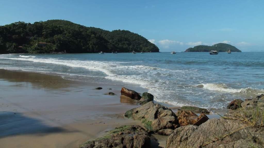 Praia do Léo é uma das praias desertas em Ubatuba - São Paulo