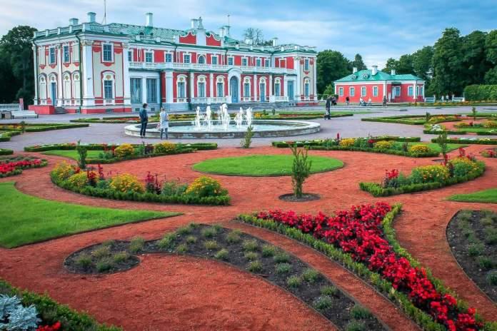 Castelo em Tallinn durante a primavera