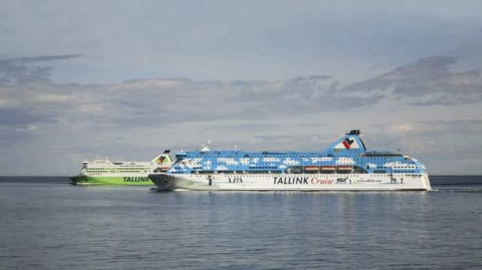 Ferry Tallink Cruise de Tallinn para Helsinque no Golfo da Finlândia