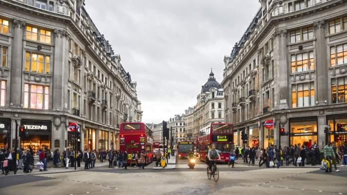 Vista da Oxford Street em Londres - Inglaterra