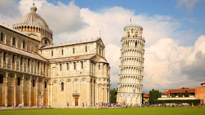 Torre inclinada de Pisa, Itália.