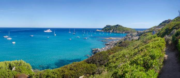 Saint Tropez na França é um dos destinos baratos para viajar em setembro de 2020