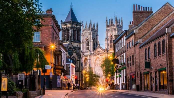 York é uma das cidades para conhecer pertinho de Londres