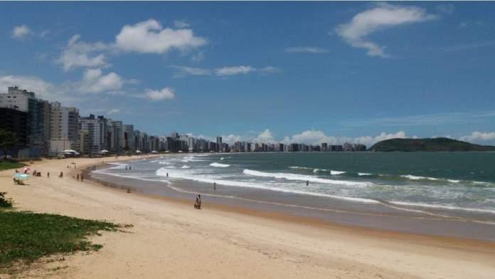 Praia do Morro em Guarapari é uma das mais belas praias do Brasil