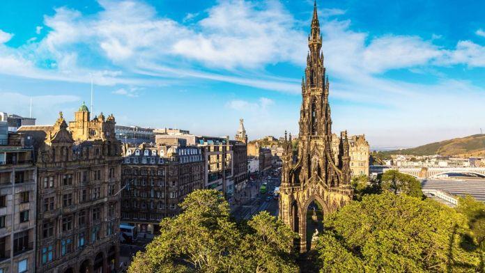 O Walter Scott Monument em Edimburgo, Escócia