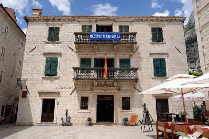 Museu marítimo em Kotor, Montenegro.