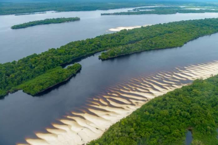 Parque Nacional de Anavilhas é um dos incríveis lugares na Amazônia para visitar.