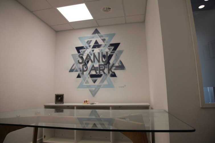 Zahnarzt Praxis /Dentist office Nima Shama David Klingert Sanu Park Hochheim 2018