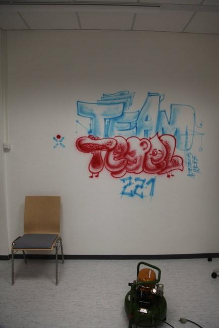 Mitarbeiter Räume der Targobank in Berlin Tegel, nach einer Live Session mit Airbrush, 2014. Team Tegel 221