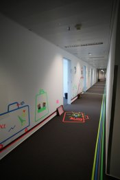 Inno.Hub: Tape Art Leitsystem Fraport 2019