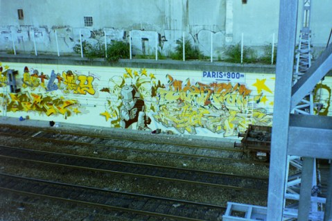 The yellow wall @ Paris Gare du Nord 1994