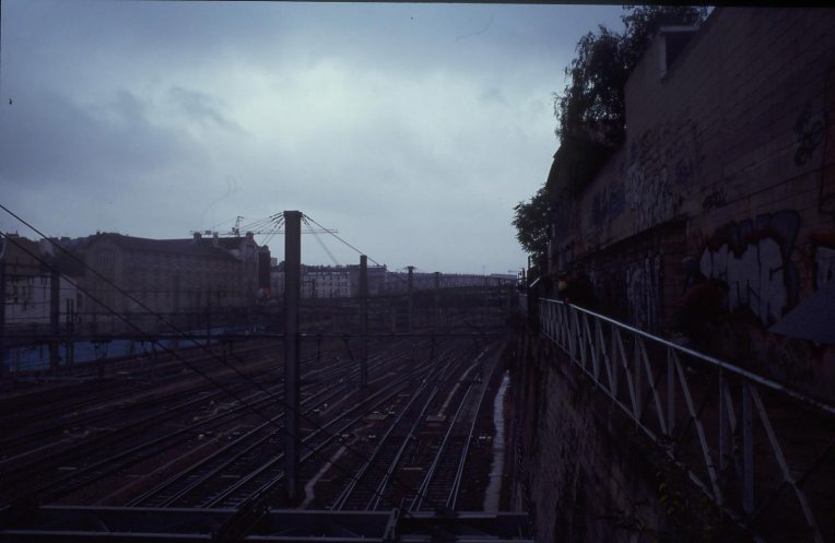 Watching the blue wall @ Paris Gare du Nord 1994