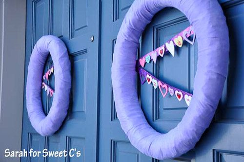 I love this flirty pennant banner wreath for Valentine's Day!