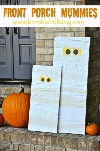 I must make these front porch mummies! They look so impressive but seem so easy to make!