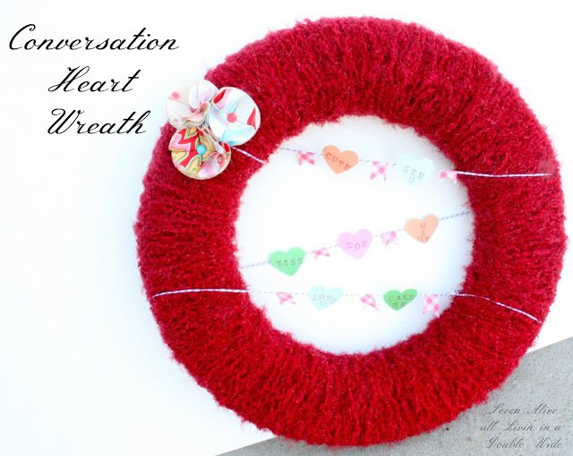 #Conversation Heart Wreath 04001