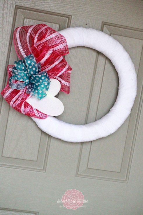 #No-Sew-Valentine-Wreath-1-682x1024