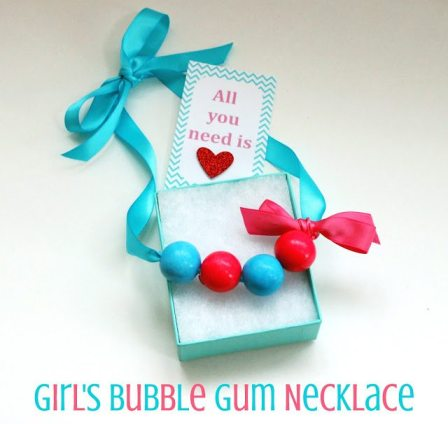 +girlsbubblegumnecklace