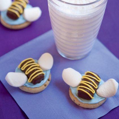 @hunny-bee-cookies-recipe-photo-420-FF0611DISN_A05