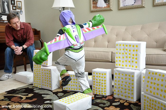 Hulk SMASH is such a fun, simple game for an Avengers birthday party!