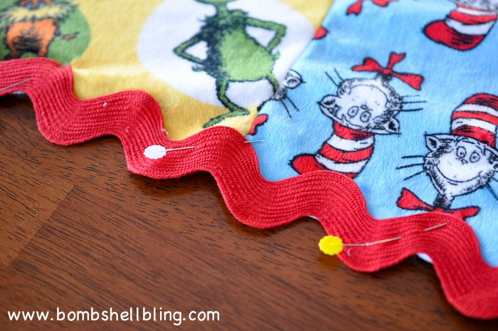 Dr Seuss Cuddle Blanket-12