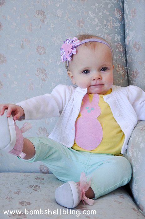 Make your little girl a sweet Easter Bunny outfit with this simple tutorial.  Perfect for any age - baby to child!  SO CUTE!