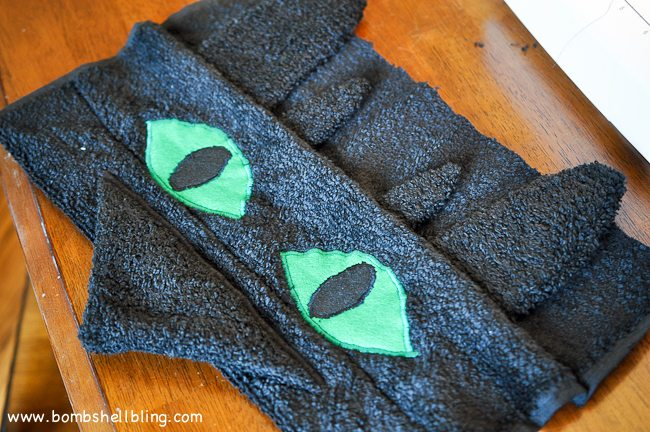Toothless Hooded Towel-10