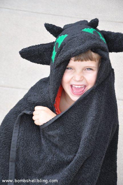Toothless Hooded Towel-17