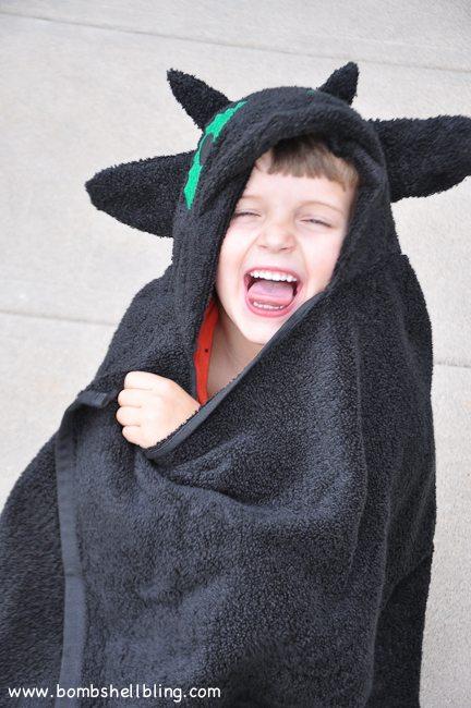 Toothless Hooded Towel-18