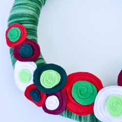 Swirled Flower Christmas Wreath & Holiday Wreath Blog Hop