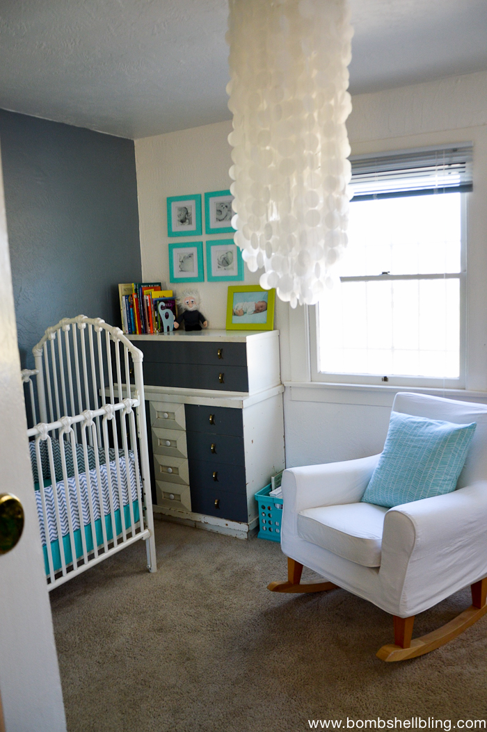 Retro nursery in a tiny living space.  Love.