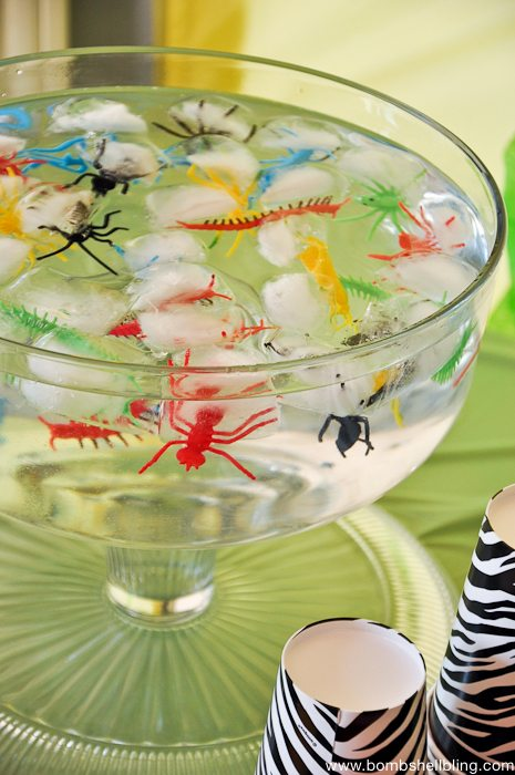 PLASTIC BUGS FROZEN IN ICE!  FUN idea!